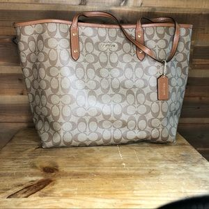 Coach City Tote In Signature Coates Canvas Tan